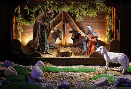 bambin: Sc�ne bible religieuse native avec la naissance de J�sus Banque d'images