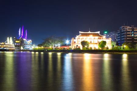 Ben Nha Rong
