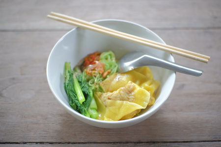 egg noodles: dried egg noodles and dumpling chinese food