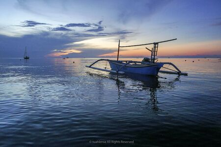 Lovina Beach, Bali, known as dolphin beach as it can been seen naturally using boat. 版權商用圖片