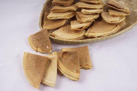 batters: Penang Nyonya Peranakan Kuih Kapit Egg Flour Biscuits
