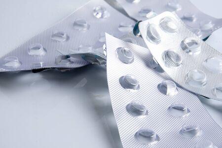 화이트 절연 빈 약 알 약 패키지입니다. 스톡 콘텐츠