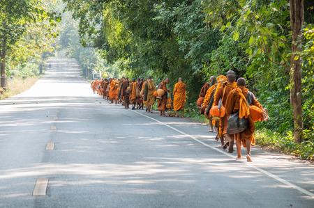 moine: moine en p�lerinage, Tha�lande
