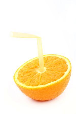Presents the concept of 100% fresh orange juice