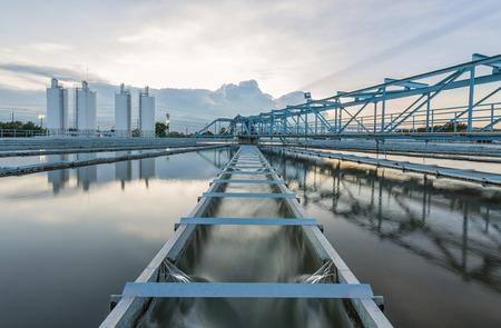 aguas residuales: Planta de Tratamiento de Agua  Foto de archivo