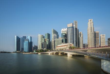 Landschap van de stad van Singapore in dag 's ochtends de tijd Redactioneel