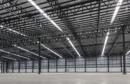 Large modern warehouse Reklamní fotografie - 50180995