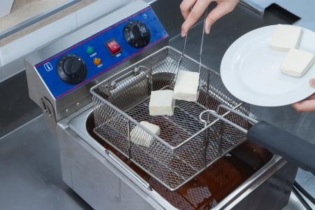 How to make fried tofu.