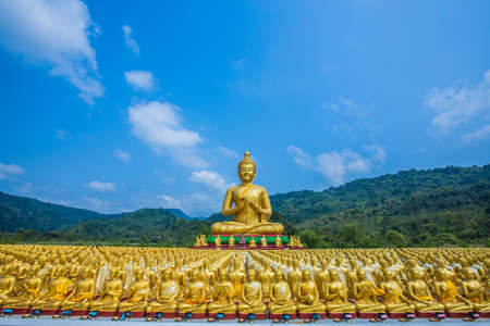 Buddha statue in thailand Stock Photo - 18648911