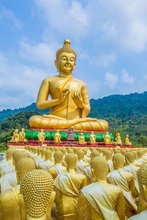 Buddha statue in thailand Stock Photo - 18656994