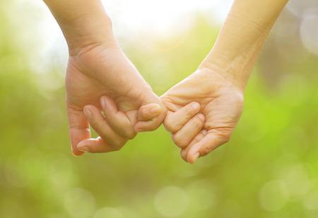 손 빈티지 스타일을 맹세 새끼 손가락합니다