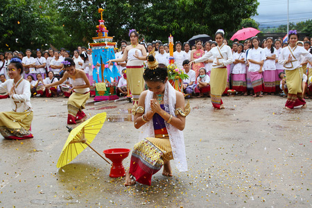 the arts is ancient: Chiang Mai, Thailand - July 29, 2015:  Performing arts dance, The arts of the ancient Lanna or ancient people of northern Thailand. Editorial