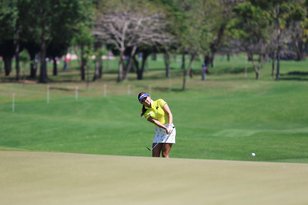 country club: PATTAYA, THAILAND - February 27, 2016: Lee Bo-mee of South Korea plays the shot of the 2016 LPGA Thailand at Siam Country Club in Chonburi.