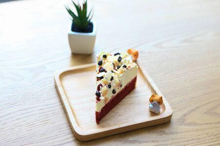 vanilla cake: Almond vanilla cake  Stock Photo