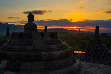 The sunrise at Borobudur, Indonesia Imagens
