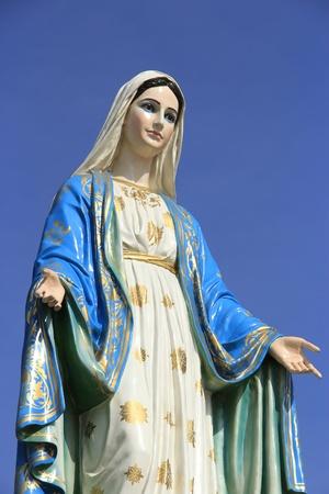 神聖的婦女在羅馬天主教雕像 版權商用圖片