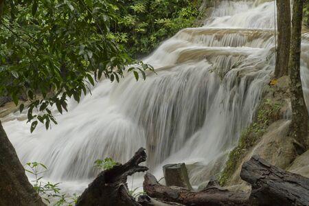 waterfalls during the rainy season 版權商用圖片