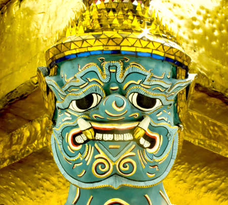 Face Guardian statue at the temple Stock Photo - 12722274