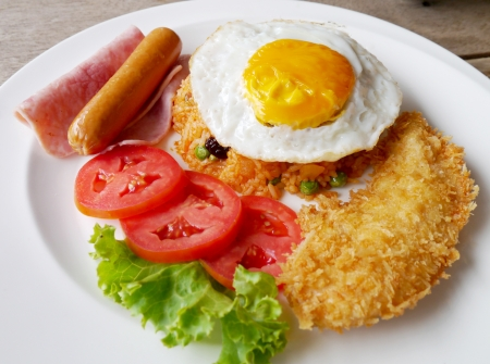 fired egg: fried rice, fired egg and ham nice