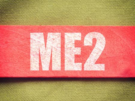 ME2 - Me Too. Internet Concept tekst op achtergrond oude retro vintage stijl