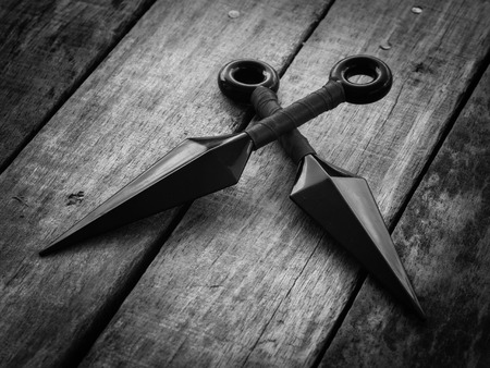 throwing knife: black and white throw ninja weapons