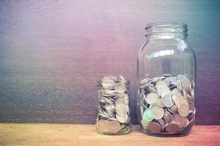 argent: argent dans le verre avec effet de filtre style vintage rétro