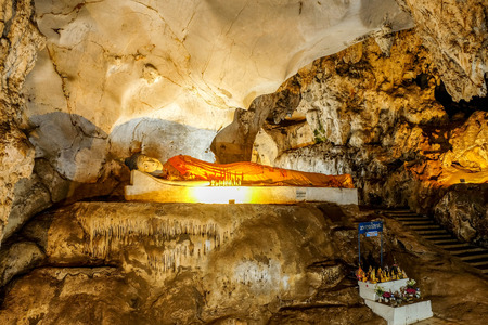 caving: Beautiful Stalactites on the Trails inside the Muang On Cave Chiang Mai, Thailand. Stock Photo