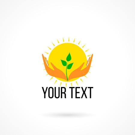manos abiertas: Vector logo con dos manos que sostienen el crecimiento de la planta y el sol. Concepto de amor, cuidado, seguridad, seguros, desarrollo, educación, niñez, felicidad.
