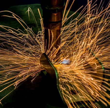 sparks: Sparks close-up Machine Spot nut