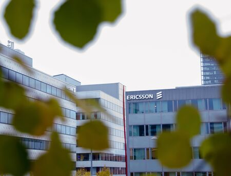 Stockholm, Sweden - 5 november 2017. Fall has arrived with the leaves of the trees changing colors at Ericsson office in Kista. Redactioneel