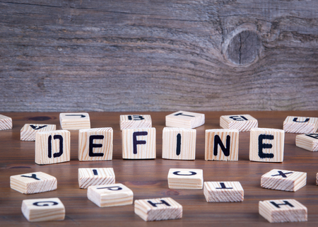 Définir des lettres en bois sur fond en bois