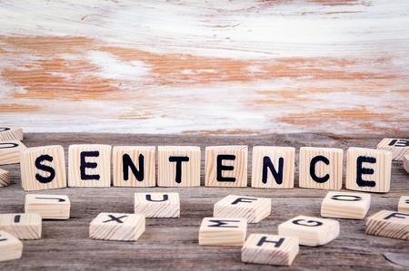 oracion: Frase de letras de madera en el fondo de madera.
