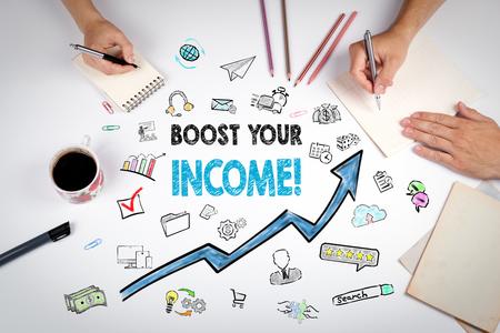 あなたの収入の概念を高める。白いオフィステーブルでの会議。