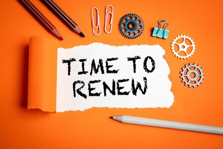 Time to renew. Businesses, strategies, plans and goals concept Foto de archivo