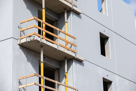 New apartment building. Architecture and design. Construction and contractors 版權商用圖片 - 167445453