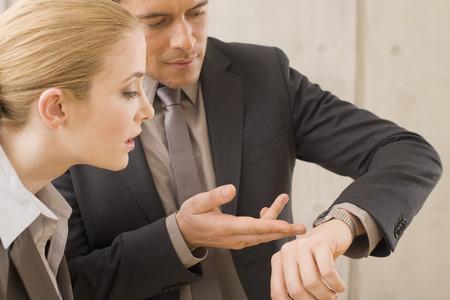 gestion del tiempo: La gesti�n del tiempo Dos hombres de negocios