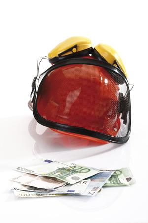delincuencia: Euro billetes casco y diferentes