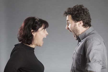 uptight: Paar schreit sich an