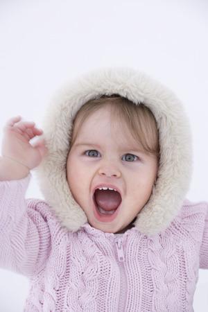ni�a gritando: Beb� ni�a gritando, retrato