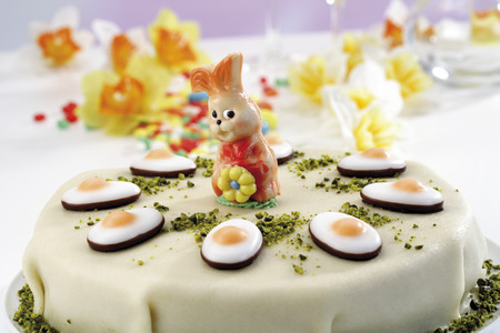 fondant fancy: Easter torte, close-up Stock Photo