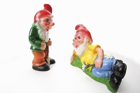 kabouters: Twee tuinkabouters, liggend en staand