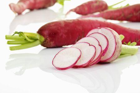 raddish: Slices of red raddish