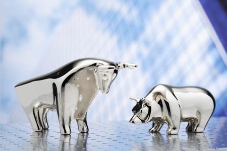 bulls: Bull and bear, high-rise building in the background