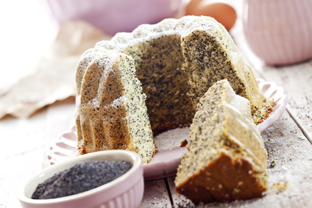 poppy seed: Poppy seed cake on plate