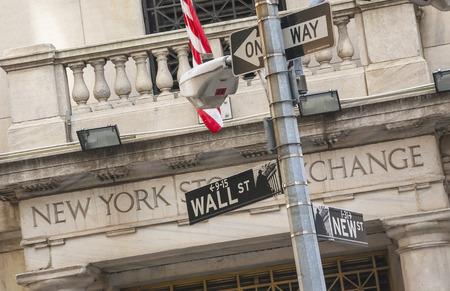 USA,New York City, Wall Street sign 스톡 콘텐츠