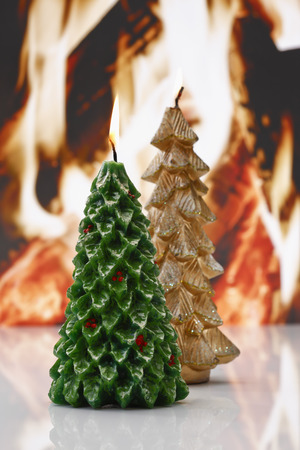 no fires: Christmas candles in front of open fire