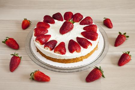 cream cake: Strawberry and yogurt cream cake