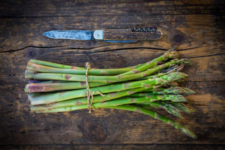 pocket knife: Organic green asparagus and pocket knife