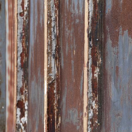 rejas de hierro: Barras de hierro oxidadas Foto de archivo