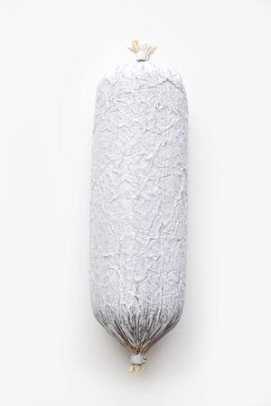 witte achtergrond: Salami op een witte achtergrond